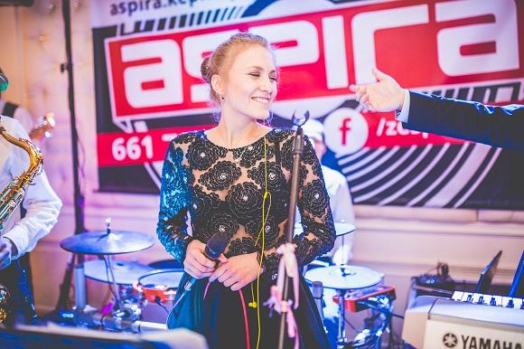 Ania | wokalistka | Zespół ASPIRA