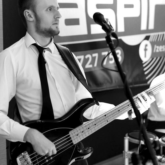 Mateusz | Gitara basowa | Zespół weselny ASPIRA