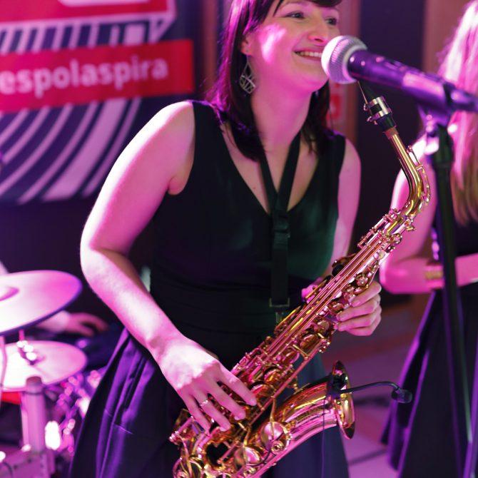 Ewa – saksofon – zespół weselny ASPIRA