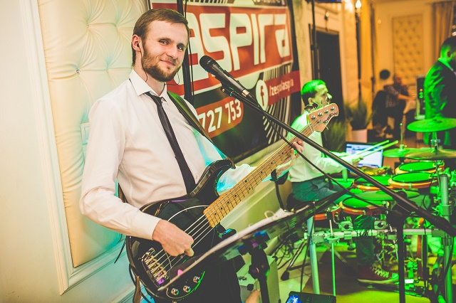 Mateusz | Gitara basowa | Coverband ASPIRA