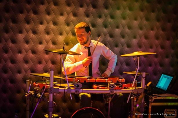 Zespół ASPIRA z perkusją - Michał, perkusista